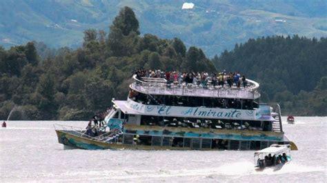 imagenes luto de colombia naufraga embarcaci 243 n con unos 150 turistas en colombia