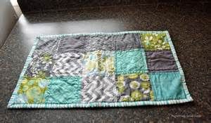 Free Table Runner Patterns For Quilting by Free Quilt Pattern Easy And Simple Table Runner