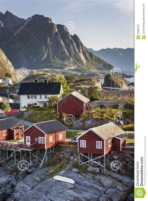 hutte norvege hutte de p 234 che rorbu sur l 238 le de hamnoy norv 232 ge