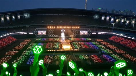 exo jamsil stadium fans created the most beautiful rainbow ocean for exo