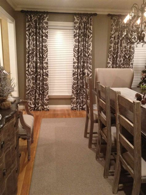 Dining Room Area Rugs by Great Neutral Area Rugs On Sale At Target Driven By Decor