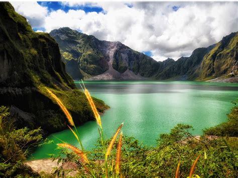 mountain lake scenery beautiful mountain scenery enlarge