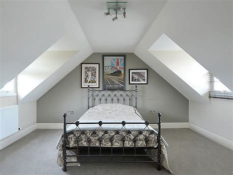 painting attic bedrooms 25 perfect attic bedroom ideas paint colors