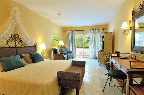 minimum age to rent a hotel room hotel playa pesquero holguin transat