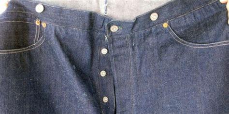 Harga Levis Amerika celana jins levi s berumur 125 tahun laku dengan harga rp
