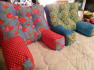 armchair pillow pattern tutorial for an armchair pillow for reading in