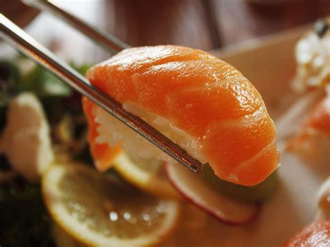 cucinare il riso per sushi sushi ricetta originale e dritte per cucinare il riso da sushi
