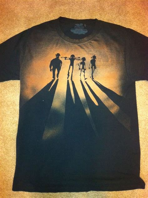 spray painting shirts with stencils 10 best ideas about t shirt stencils on t