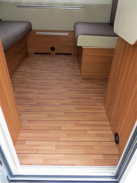 pavimenti per verande stunning pavimento per veranda cer pavimento caravan