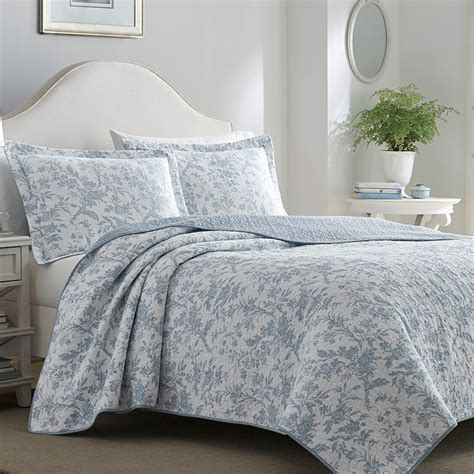 Soft Quilts Bedding Amberley Soft Blue Quilt Set From