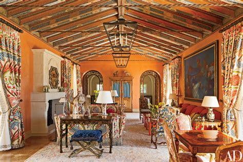 juan pablo molyneux crafts  splendid villa  pebble
