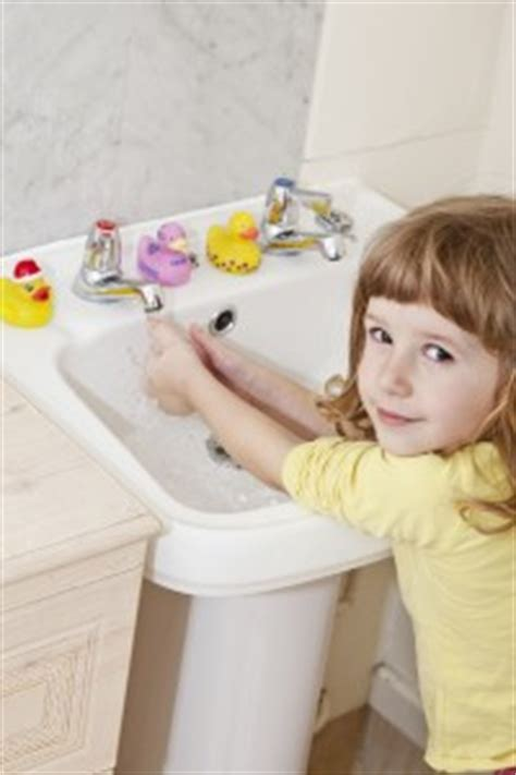 potty stool withholding toilet problems in children