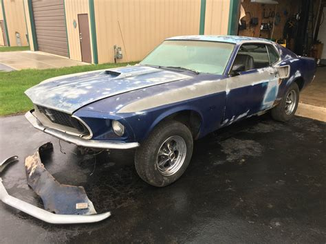 optioned  ford mustang mach  project car  sale