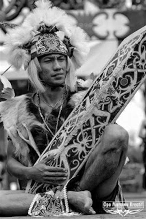 tattoo hunter indonesia 14 best images about dayak kalimantan on pinterest