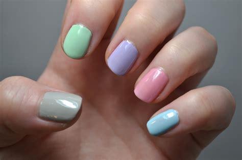 10 pretty pastel nail designs