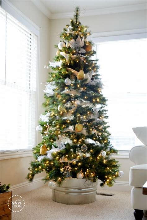 pictures of christmas trees in a wash tub how to cover a tree base 38 ideas digsdigs