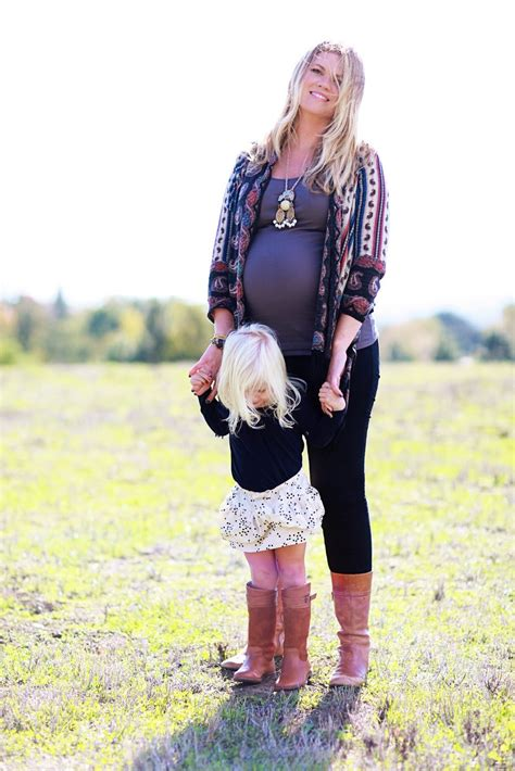 stylish fall outfits  fashionable pregnant ladies