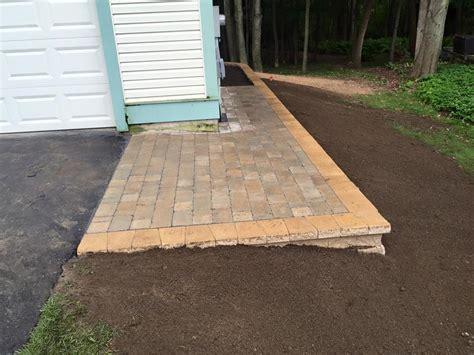 Paver Patio With Retaining Wall Paver Patio And Retaining Wall Clearbrook Landscaping And Lawncare