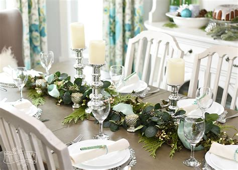 Farmhouse Dining Room Set Aqua Amp Green Farmhouse Christmas Table Decoration Ideas