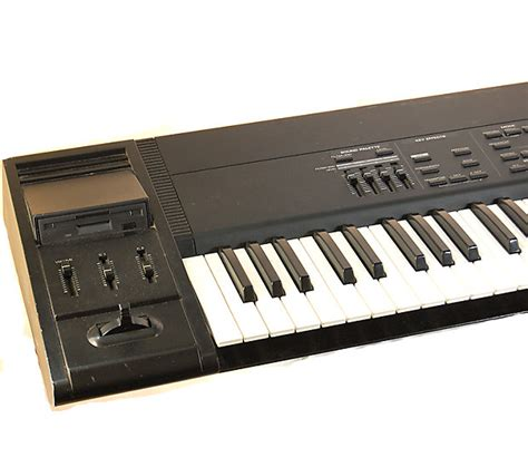 Keyboard Roland Xp 80 roland xp 80 76 key synth keyboard workstation for parts or reverb
