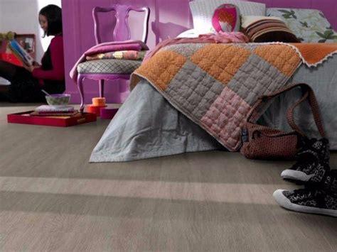pavimento in pvc autoadesivo stratificato pavimenti in pvc