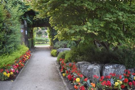 entrance to the gardens from the car park picture of