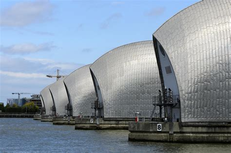 thames barrier design construction london weather thames barrier shut as coastal surge and