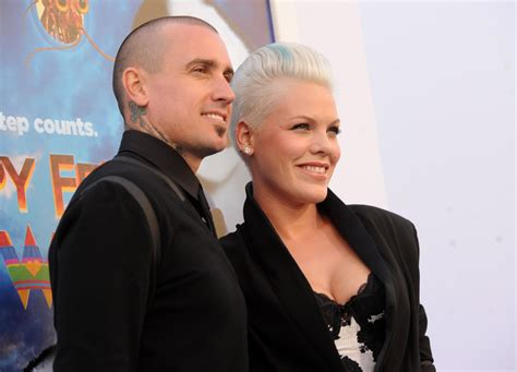 carey hart hair more pics of carey hart buzzcut 15 of 22 short