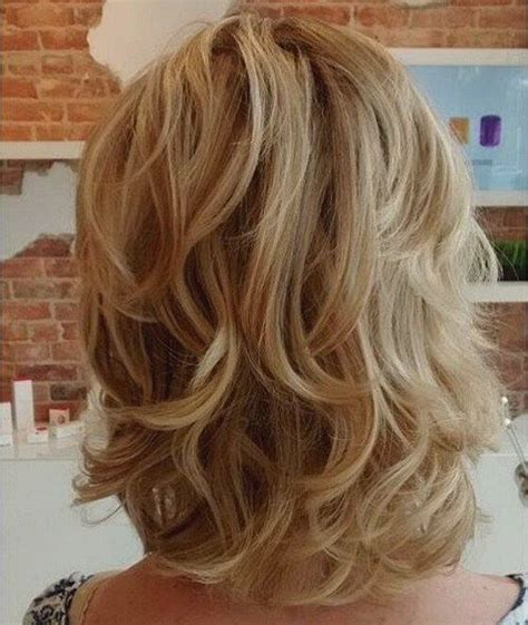 curling medium length hair with curling iron curling iron size for shoulder length layered hair for