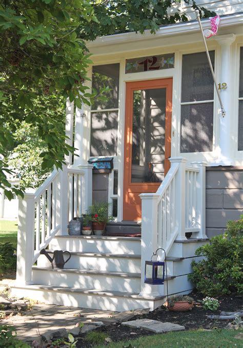 sarahs front steps stately kitsch