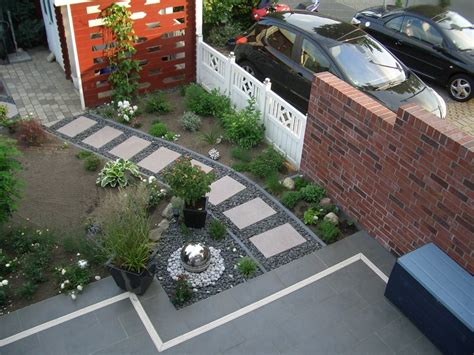 reihenhaus vorgarten neu gestalten mit fliesen und steinen