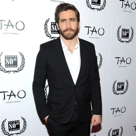 zap collar jake gyllenhaal opts for open collar