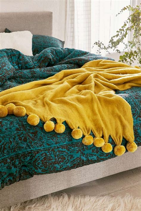 Yellow Bedroom Throw 25 Best Ideas About Yellow Throw Blanket On