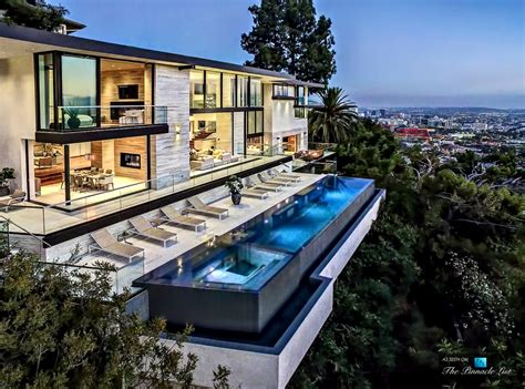 California House by A Modern California House With Spectacular Views