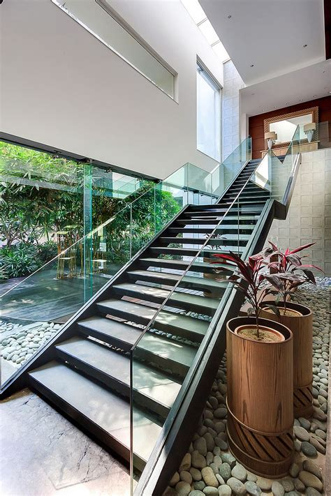 lavish contemporary home   delhi puts nature center stage