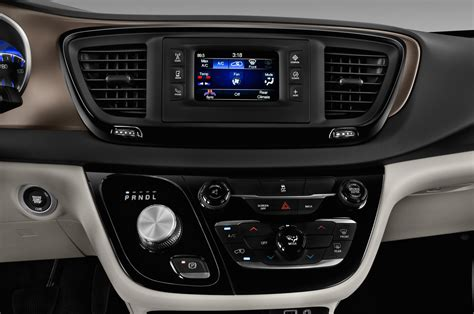 2008 chrysler pacifica touring reviews 2017 chrysler pacifica reviews and rating motor trend