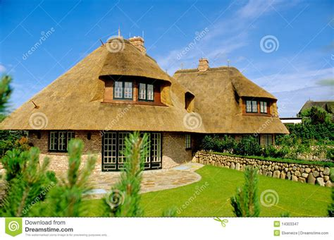 Haus Mit Thatched Dach Sylt Stockbild Bild 14303347