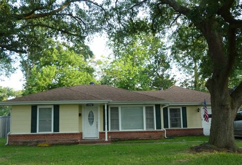 3 Bedroom Houses For Rent In Lake Charles La by 3 Bedroom 2 Bath Lake Charles Home For Sale 1102 Arkansas