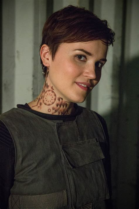 divergent producers tap veronica roth s dauntless power