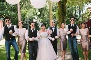 Garden Wedding Reception Attire A Vintage Garden Wedding In Vancouver Weddingbells