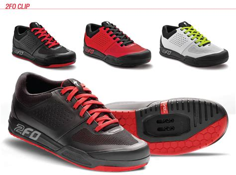 clip in shoes for mountain biking foot out flat out look at specialized s new 2fo