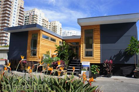 libro small eco houses living photos livinghomes debuts affordable new c6 prefab home starting at 179 000 inhabitat