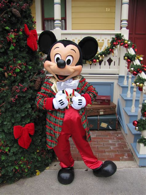 disney characters on pinterest mickey mouse very merry