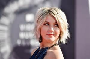 hough new haircut julianne hough messy cut julianne hough looks stylebistro