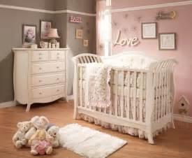 Ordinaire Rideaux Chambre Bebe Fille #3: chambre-b%C3%A9b%C3%A9-fille-rose-gris-murs-gris-rose-lit-b%C3%A9b%C3%A9-blanc.jpg