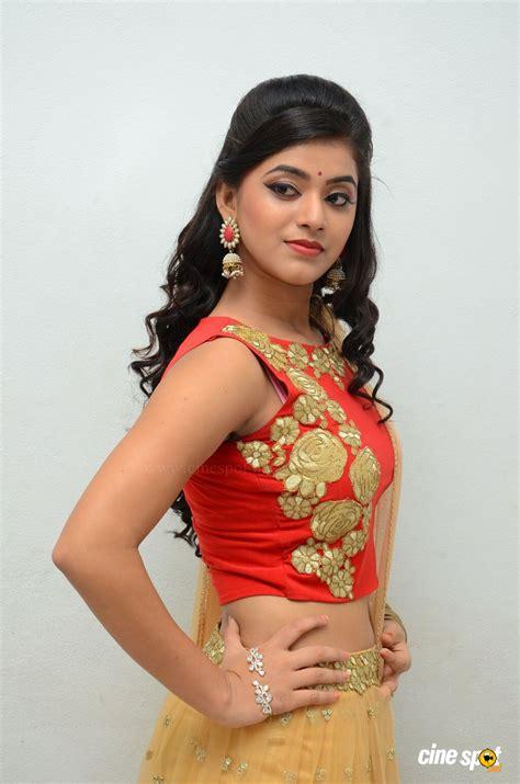 heroine photoshoot photos heroine yami bhaskar photoshoot 11