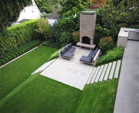 Moderne Gartengestaltung Beispiele by Gartengestaltung Modern Hang Kunstrasen Garten New