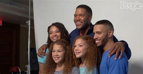 what kind of haircut does michael strahan have michael strahan and kids michael strahan addresses black