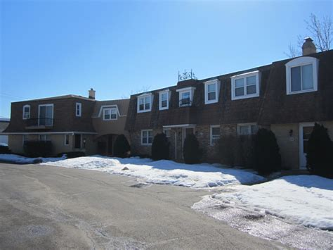 quarter apartments west dundee il 830 834 quarter rd west dundee il 60118 rentals