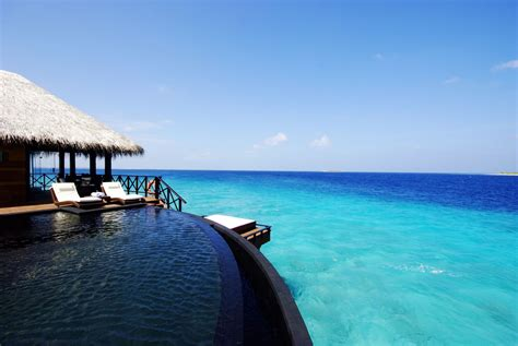 beach hous iruveli a serene beach house in maldives architecture design